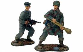 W Britain First Gear WWII German Kampfgruppe - 17th Waffen SS and 3rd Fallschirmjaeger Division Panzerfaust Team- OOP 1 Available