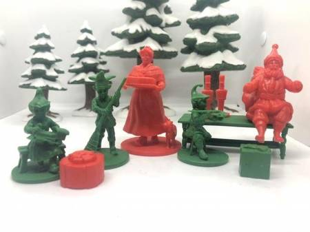 North Pole Set 2: Mrs. Claus and the Elves