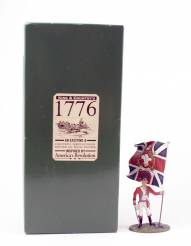 King & Country 1776 American Revolution British Fusilier With Flag #BR04 NIB 1 Available OOP