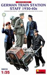 German Train Station Staff 1930-40s Figure Set