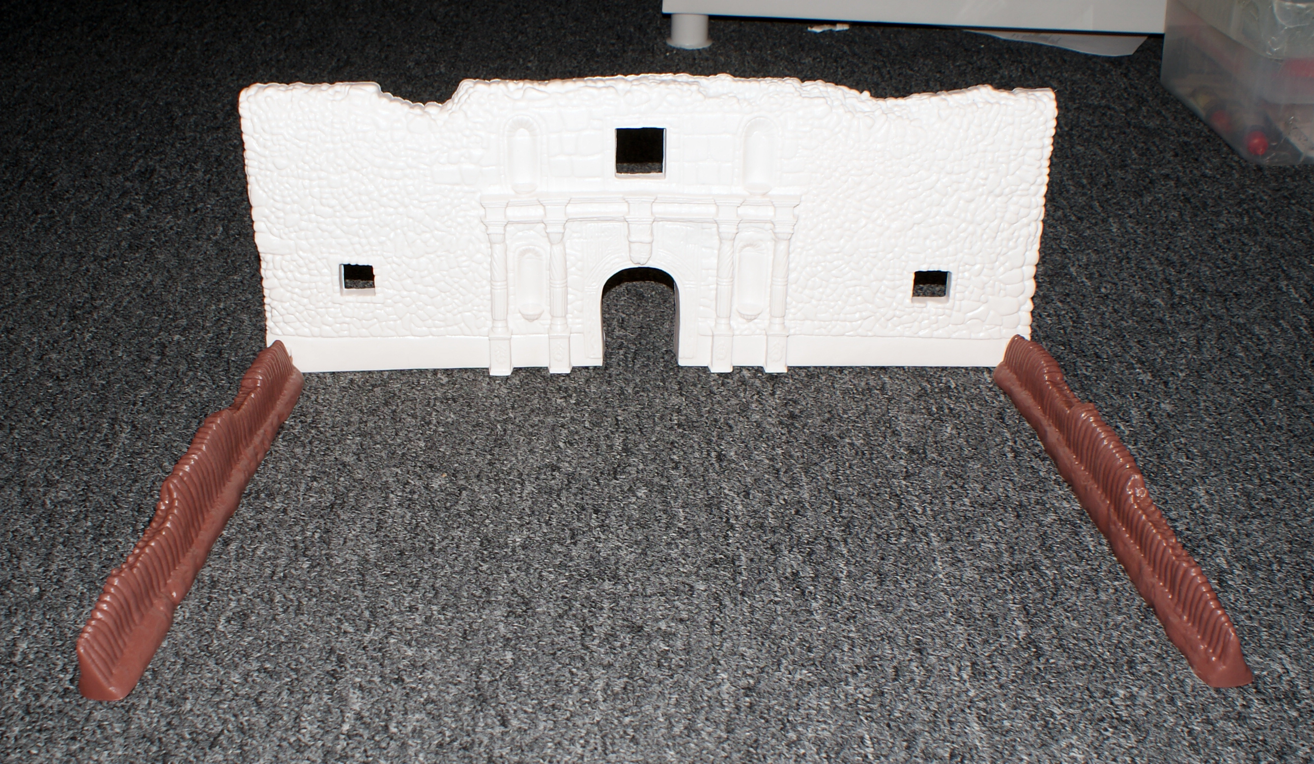 Alamo Fort Facade w/Support Wall Sections