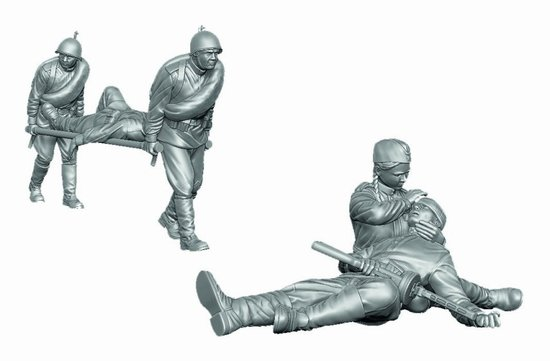 Soviet Medical Troops WWII  - 5 Figures Set and Stretcher