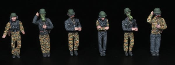 German Tank Crew 1946 - ONLY 1 AVAILABLE AT THIS PRICE