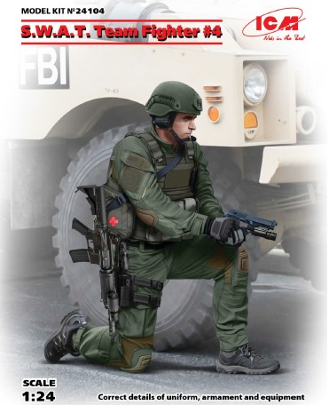 SWAT Team Fighter #4 w/Hand Gun