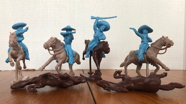 Mexican Bandits Mounted Figure Playset