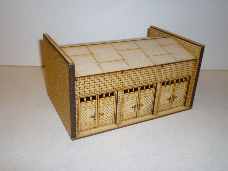 Eastern European 3 Bay Brick Garage - 1/72nd scale MDF