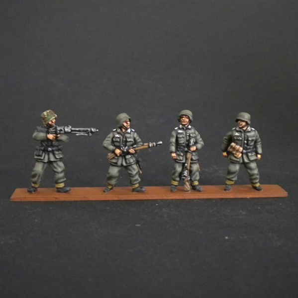 WWII German Panzergrenadiers for Sdkfz Standing